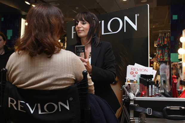 New Temporary Store Revlon in Turin