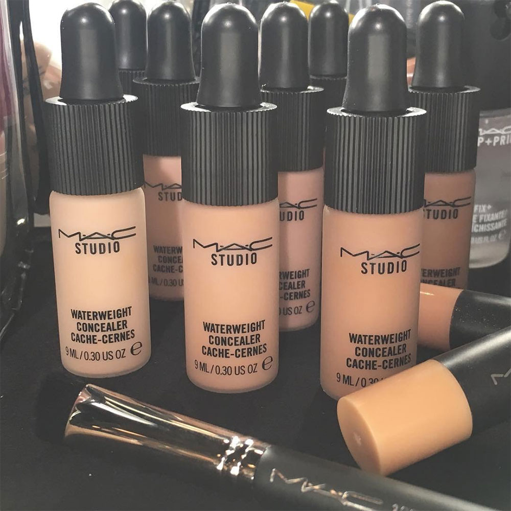 MAC Studio Waterweight concealer