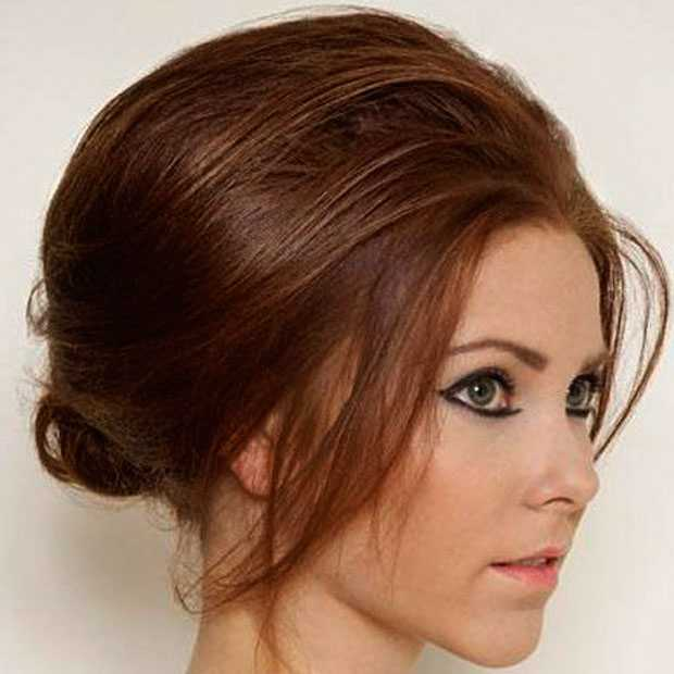 Simple and voluminous hairstyle for the holidays