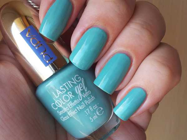aquamarine pupal polish