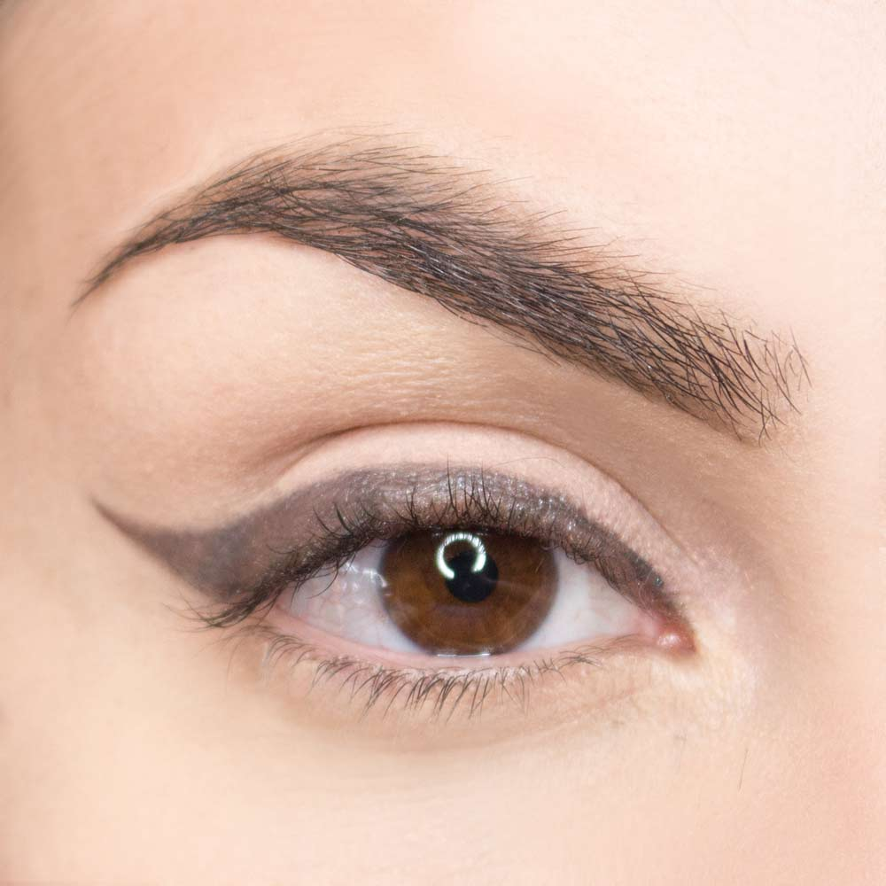 gray eyeshadow to outline the look