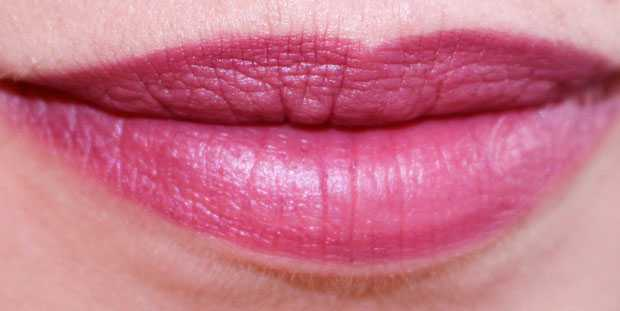 lip pencil Joan Collins Beauty Plum