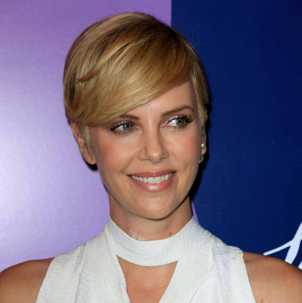 Pixie cut Charlize Theron
