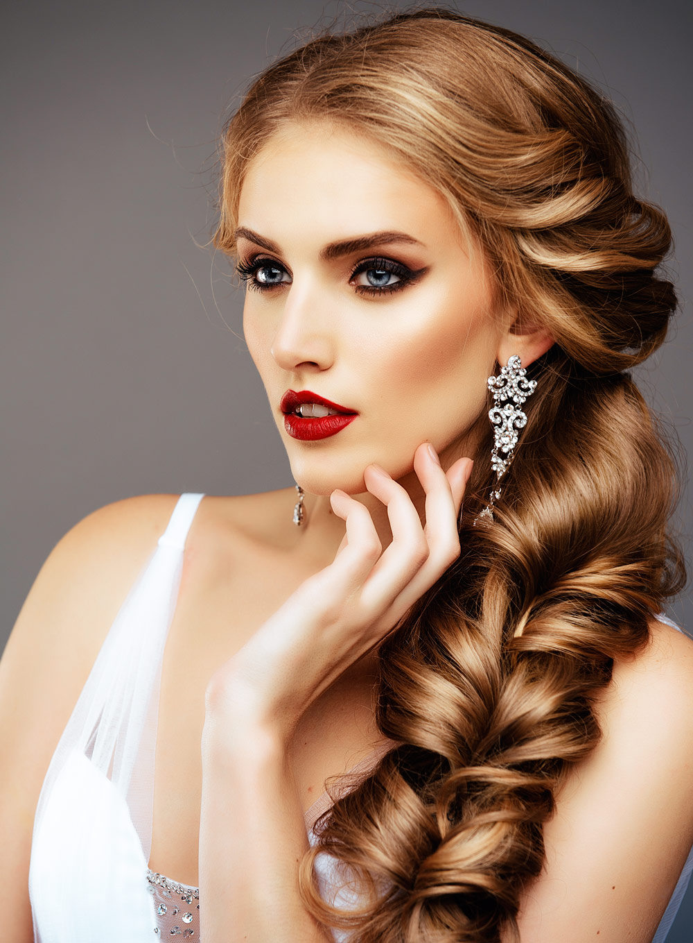 Hairstyles Bride Long Wavy Hair