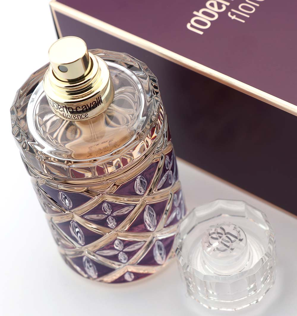944e7aaeeab60f Florence Roberto Cavalli: new feminine scent - Our best Style