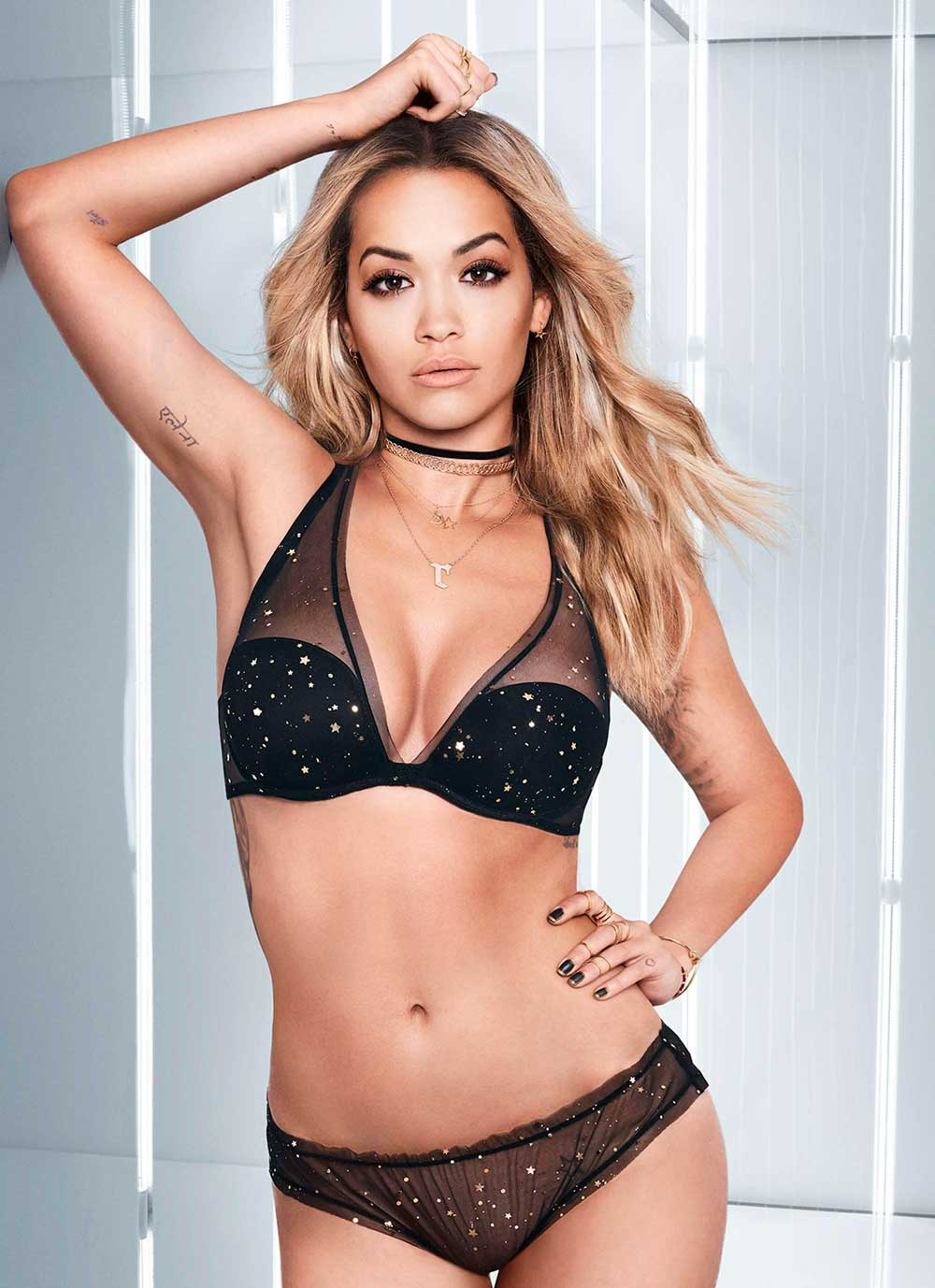 Sexy underwear Christmas 2017 and New Year 2018: the most beautiful suits
