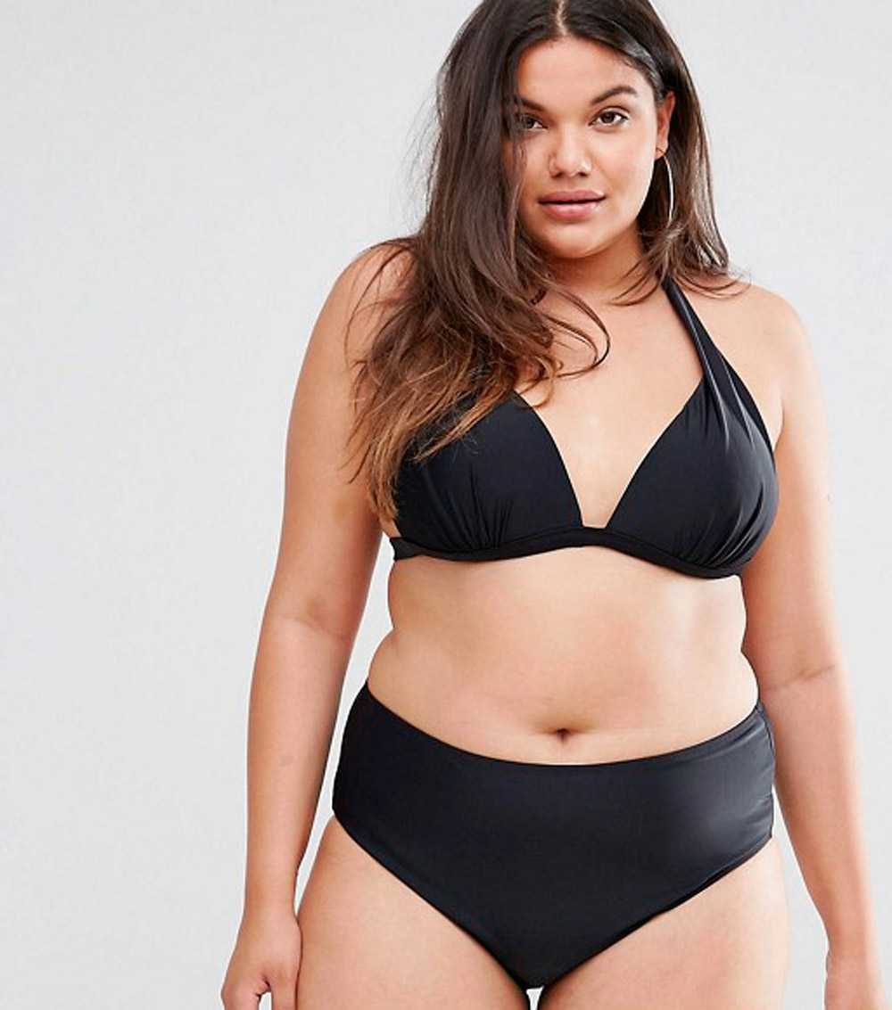 Costumes for curvy women 2018: the most beautiful models!