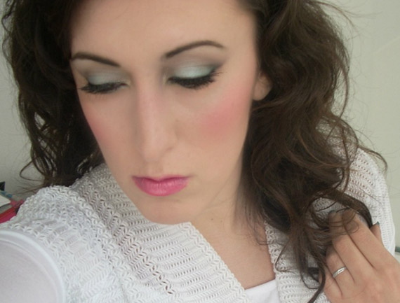 Mint green makeup
