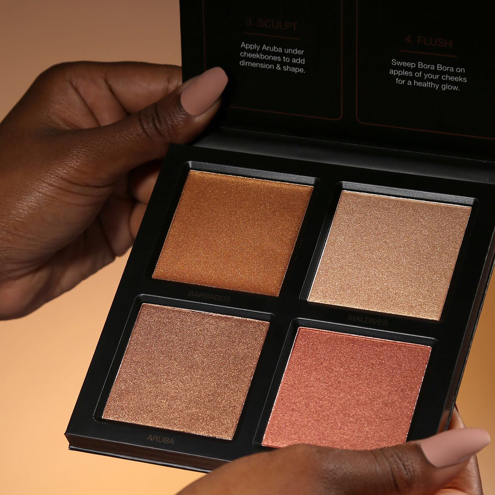 Huda Beauty 3D Bronze Sands Illuminating palettes for tanned skin