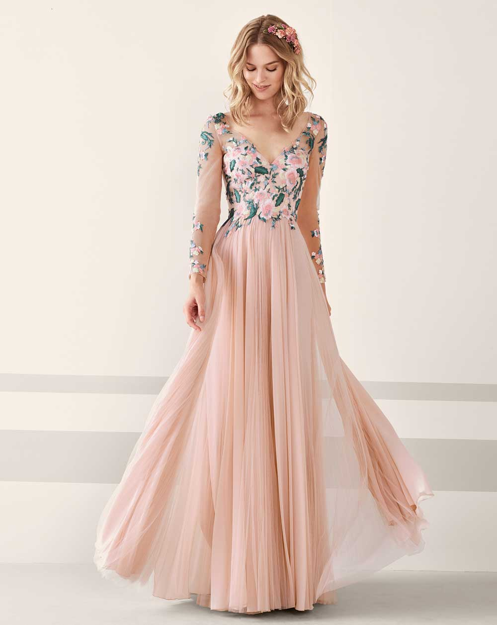 f3a41974ff64 Pronovias 2019 formal wear: Photo catalog and prices - Our best Style