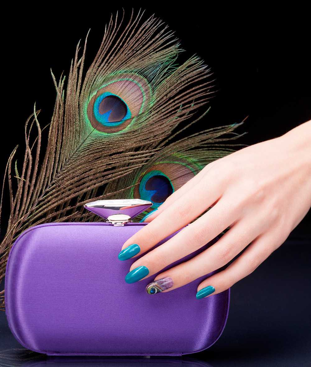 nail art peacock glaze with persistent perspiration