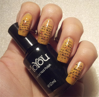 Nail art with lettering