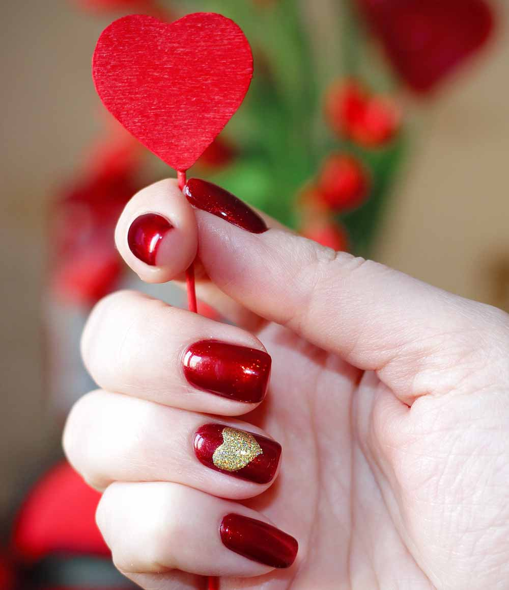 Valentine's day red gold nail art