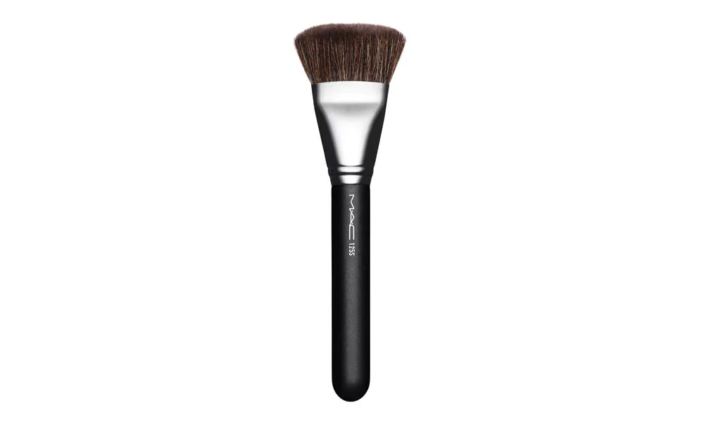 illuminating face brush mac